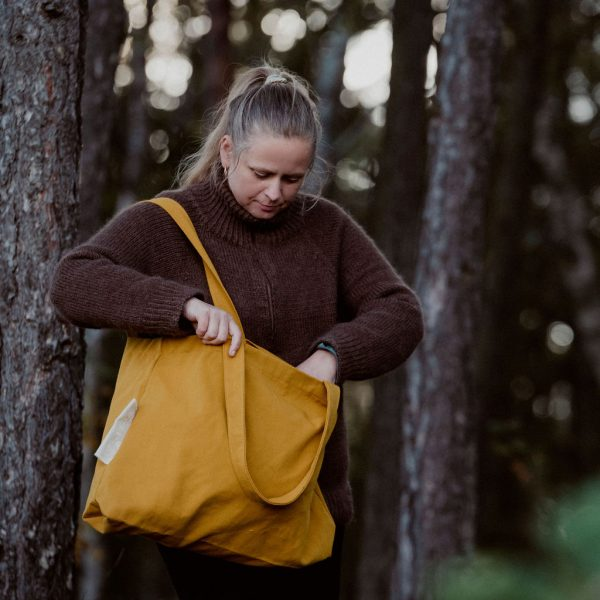 Rima canvas totebag mustard sustainable totebag front aw2021